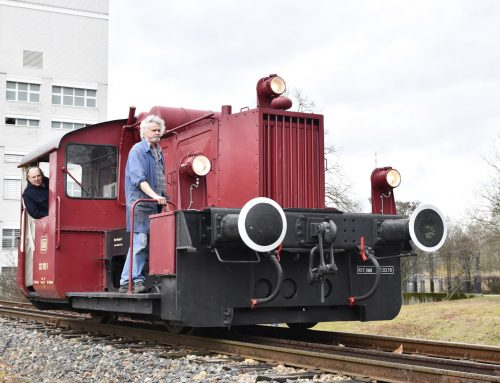 Arbeitstiere auf dem Museumsgleis: Diesellok-Tausch am TECHNOSEUM